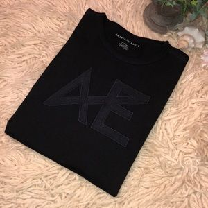Like new-Men's AE T-shirt-black on black logo